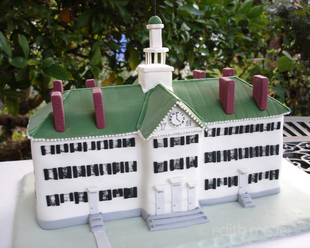 Cake shaped like Dartmouth Hall