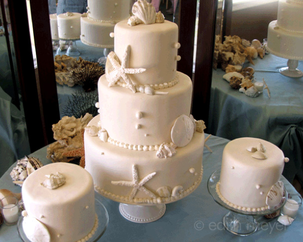 Fondant shells wedding cake